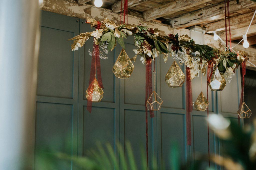 Geometrical floral altar hanging display